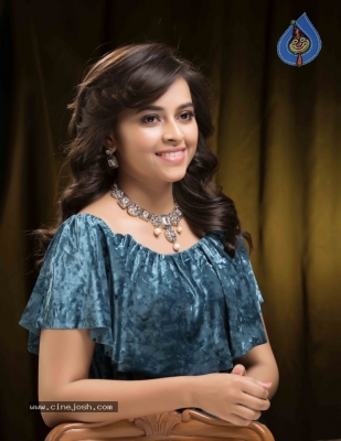 Actress Sri Divya Latest Stills - 7 of 12