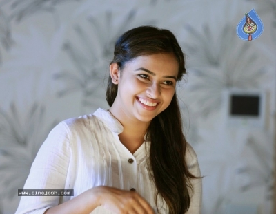 Actress Sri Divya Latest Stills - 8 of 12