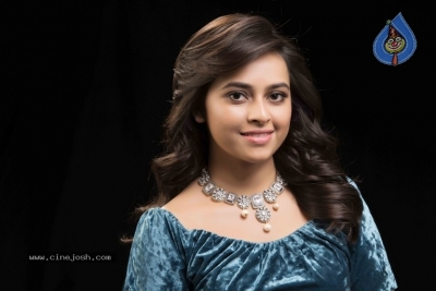 Actress Sri Divya Latest Stills - 12 of 12