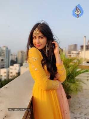 Adah Sharma Latest Pics - 4 of 6