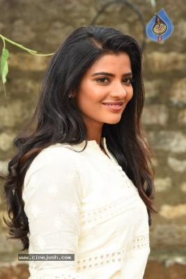 Aishwarya Rajesh Photos - 4 of 21
