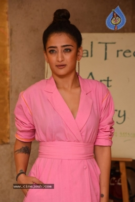 Akshara Haasan Gallery - 1 of 18