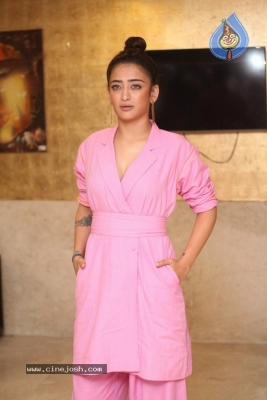 Akshara Haasan Gallery - 7 of 18