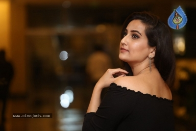 Anchor Manjusha Stills - 1 of 19