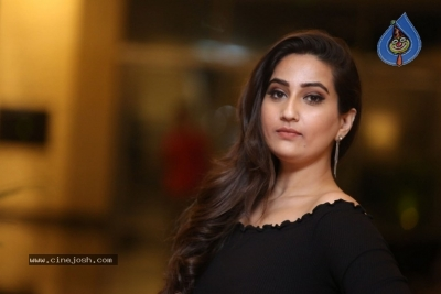 Anchor Manjusha Stills - 6 of 19