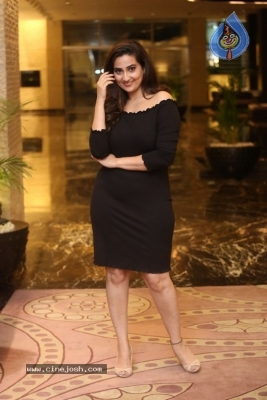 Anchor Manjusha Stills - 8 of 19