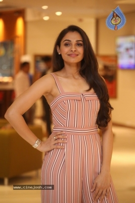 Andrea Jeremiah Photos - 12 of 20