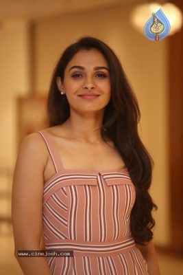 Andrea Jeremiah Photos - 13 of 20
