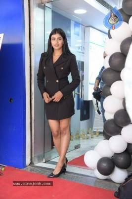 Hebah Patel Photos - 6 of 16