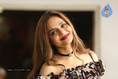 Madhoo New Photos - 1 of 14