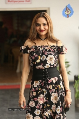 Madhoo New Photos - 13 of 14