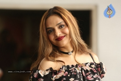 Madhoo New Photos - 14 of 14