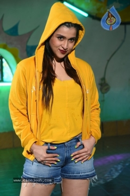 Mannara Chopra Photos - 14 of 35