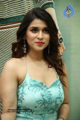 Mannara Chopra Photos - 9 of 20