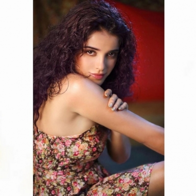 Piaa Bajpai Photos - 4 of 12