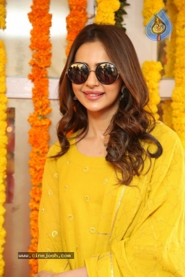 Rakul Preet Singh Photos - 15 of 19
