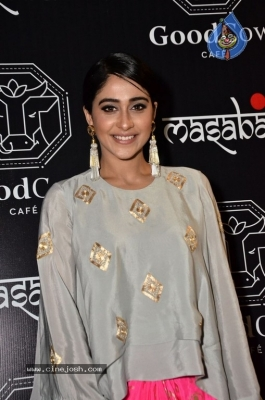 Regina Cassandra Gallery - 21 of 63