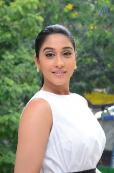 Regina Cassandra New Stills - 3 of 41