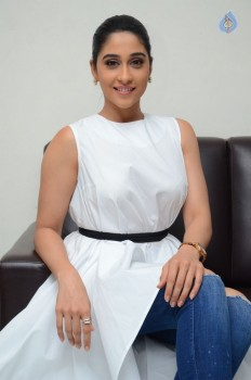 Regina Cassandra New Stills - 10 of 41