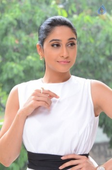 Regina Cassandra New Stills - 17 of 41