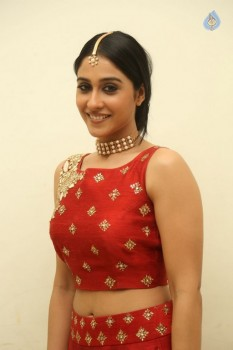 Regina Cassandra Photos - 5 of 41