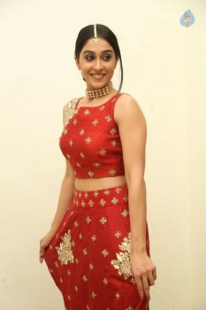 Regina Cassandra Photos - 20 of 41