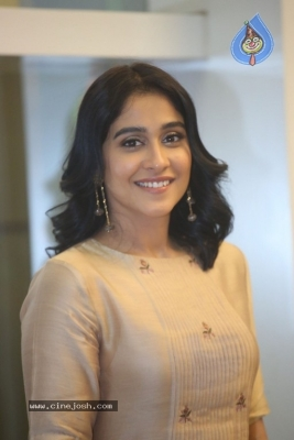 Regina Cassandra Photos - 9 of 21