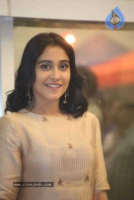 Regina Cassandra Photos - 11 of 21