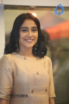 Regina Cassandra Photos - 13 of 21