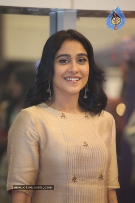 Regina Cassandra Photos - 18 of 21
