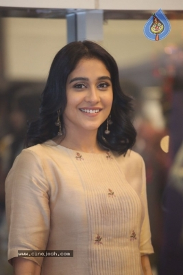 Regina Cassandra Photos - 21 of 21