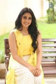 Regina Cassandra Photos - 2 of 61