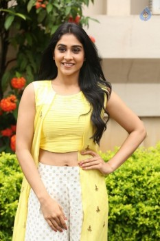 Regina Cassandra Photos - 6 of 61