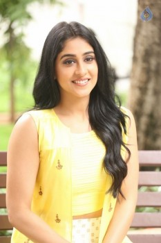 Regina Cassandra Photos - 8 of 61