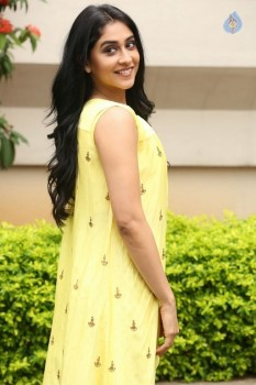 Regina Cassandra Photos - 10 of 61