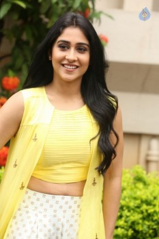 Regina Cassandra Photos - 11 of 61