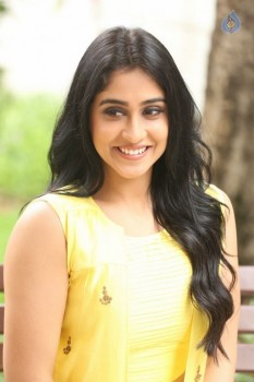 Regina Cassandra Photos - 12 of 61