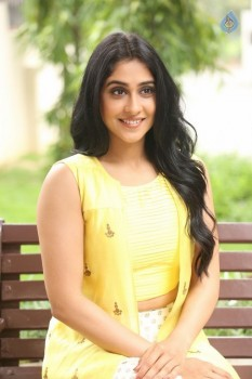 Regina Cassandra Photos - 13 of 61