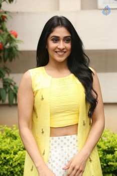 Regina Cassandra Photos - 14 of 61