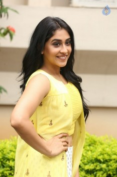 Regina Cassandra Photos - 17 of 61