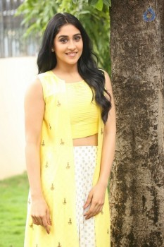 Regina Cassandra Photos - 22 of 61