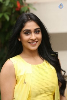 Regina Cassandra Photos - 25 of 61