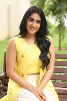 Regina Cassandra Photos - 26 of 61