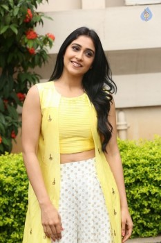 Regina Cassandra Photos - 27 of 61
