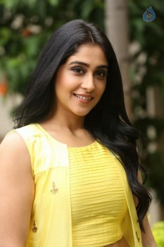 Regina Cassandra Photos - 30 of 61