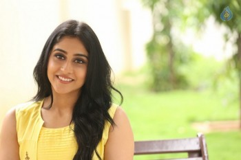 Regina Cassandra Photos - 31 of 61