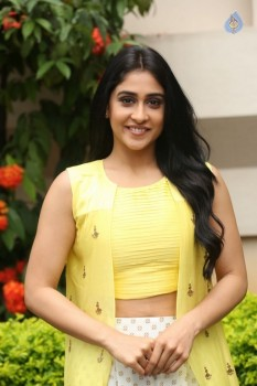 Regina Cassandra Photos - 35 of 61