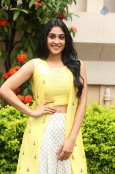 Regina Cassandra Photos - 38 of 61