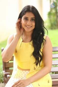 Regina Cassandra Photos - 39 of 61