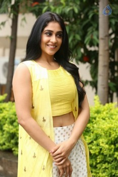 Regina Cassandra Photos - 42 of 61